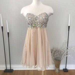 Val Stefani chiffon gemstone dress NWOT